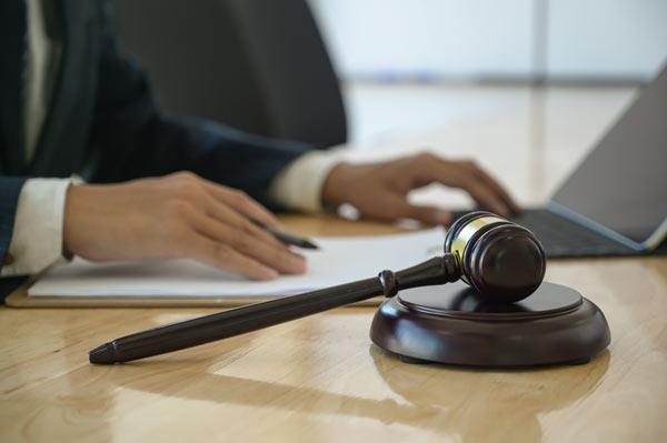 Defensa laboral con abogados pamplona